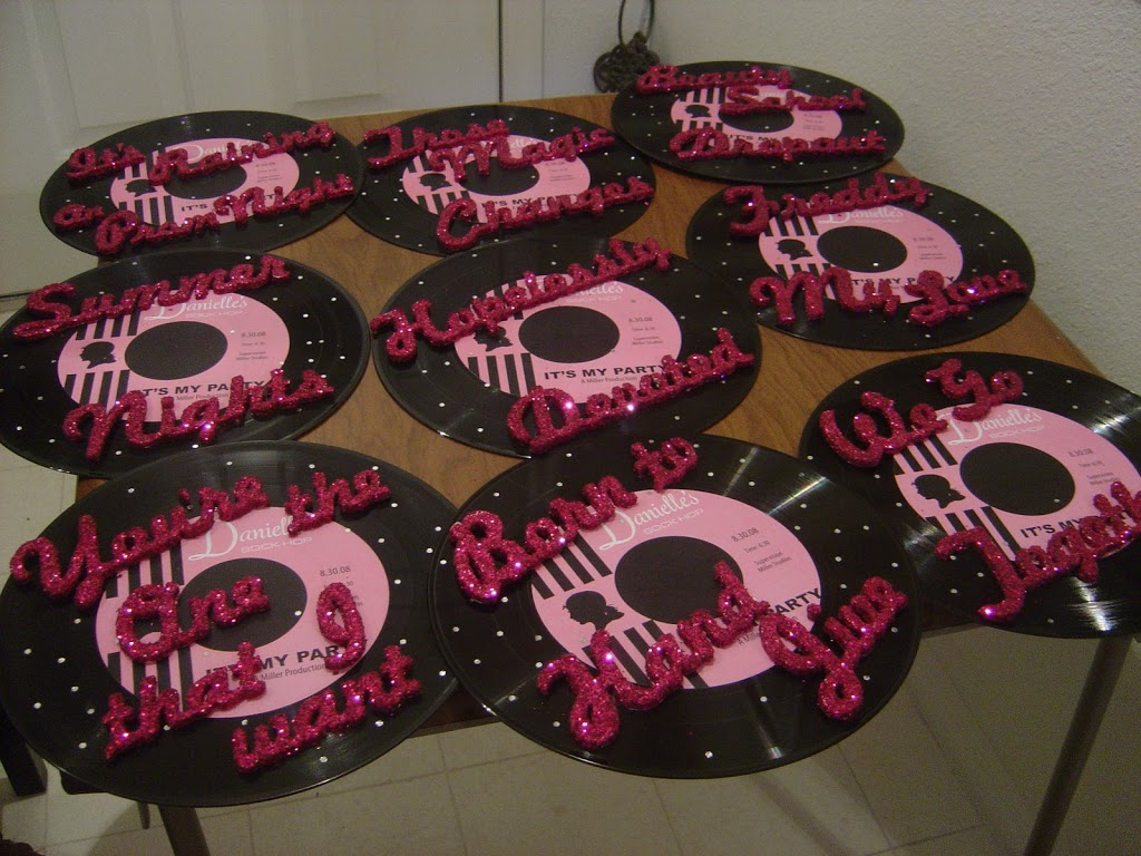 Vinyl record decorations pastry chefs from the four for Vinyl record decoration ideas